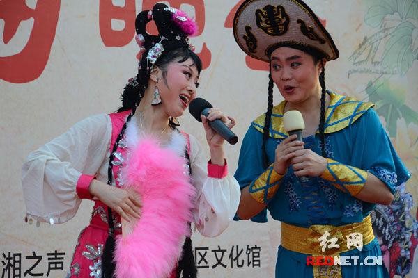 湖南著名花鼓戏演员表演刘海砍樵