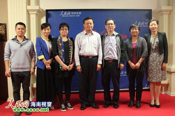 海口市委宣传部长吴川祝走访人民网海南视窗