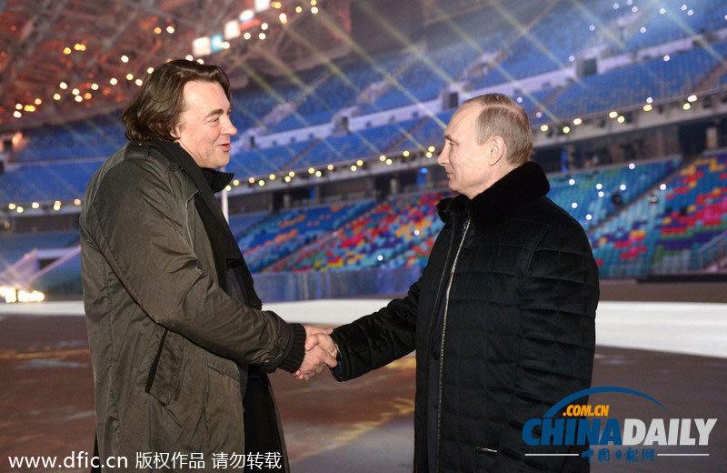 式前瞻,俄罗斯总统弗拉基米尔-普京(r)探访直播