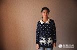 """黄驿雯,2002年出生,初二学生。黄驿雯想要一个哥哥陪他玩,如果可以的话她想对哥哥说""""让我们一起来嗨吧""""。在她出生的那一年里,《中华人民共和国人口与计划生育法》正式实施,江西和全国各地一样进入了计划生育的法制时代。"""