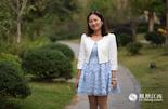 """李英,1980年出生,老师。与上面两位不同的是,李英并不想要兄弟姐妹,""""我已经习惯了一个人生活,有伴可能会不适应。""""在她出生的那一年,江西省有许多的企业单位以公开信的方式,鼓励职工和干部只生一个孩子。"""
