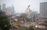 随着南昌万寿宫老商业街区的改造进行中,从这里走出去的江右商帮,将和这里的老建筑一样。除去了没落时的尘土,在继承传统同时,迎来一个全新的时代。