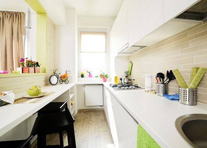 狭长型厨房如何化解转身尴尬?