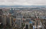 2014年2月7日,全国重点城市空气质量排行榜实时数据显示,九江空气质量指数6,南昌空气质量指数9,江西两座城市的空气污染指数都只有个位数,成全国空气质量排名前2位的城市。这也是当年九江、南昌空气最为干净的一天。