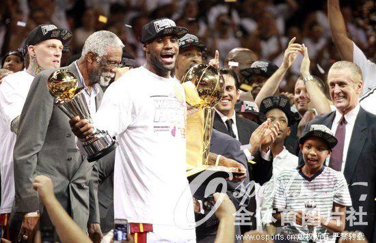 组图 热火卫冕NBA总冠军 回顾迈阿密三次夺冠瞬间图片