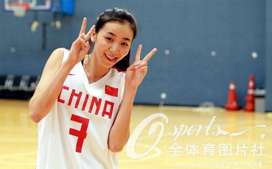 高清:中国女篮写真拍摄花絮