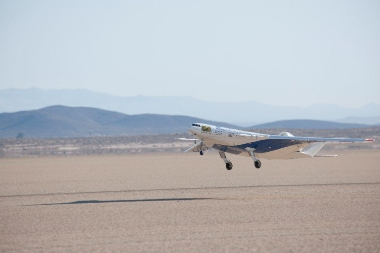X-48C在美国加州爱德华兹空军基地进行了首次试飞