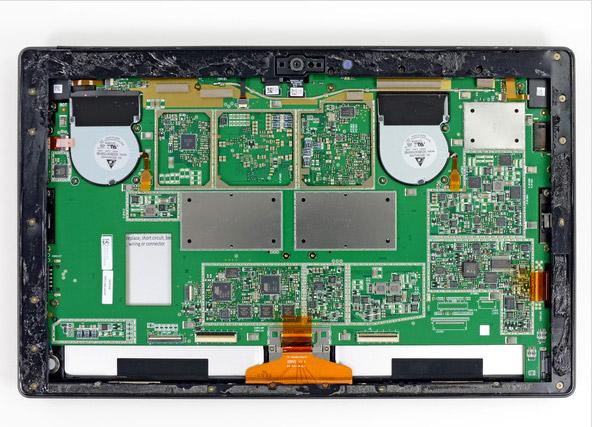 红色:8颗镁光4Gb速度的内存,单颗容量512MB,共计4GB内存。 蓝色:Atmel MXT1386E触屏控制芯片。 粉红:3颗Atmel MXT154E触屏控制芯片(与Surface RT一样)。 黑色(左侧):Realtek ALC3230音频控制芯片。