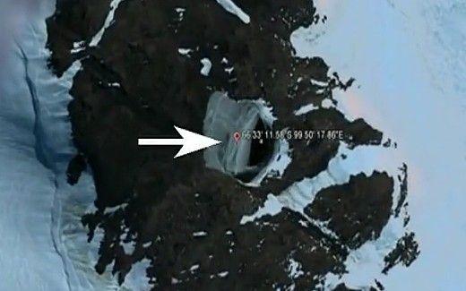 南极洲发现外星人基地?科学家多次发现飞碟向南极腹地飞行