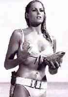 乌苏拉-安德丝《诺博士》