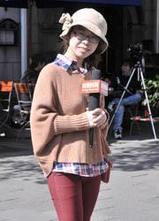 羊绒帽让女孩温暖感倍升