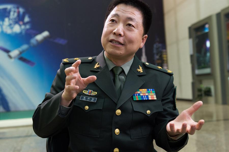 访中国首位航天员,中国载人航天工程办公室副主任杨利伟