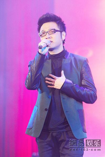 王铮亮演出现场。