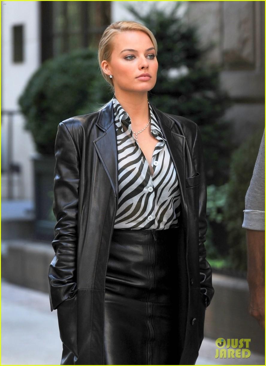 华尔街之狼 片场曝光 女主角玛格特 罗比气质亮相