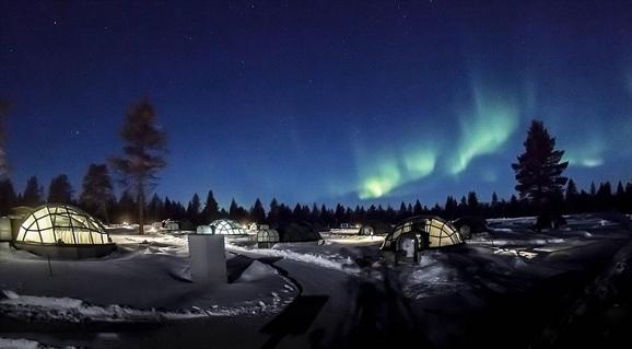 芬兰玻璃屋_芬兰奢华冰屋酒店 一睹壮丽北极光的完美地点_山东频道_凤凰网