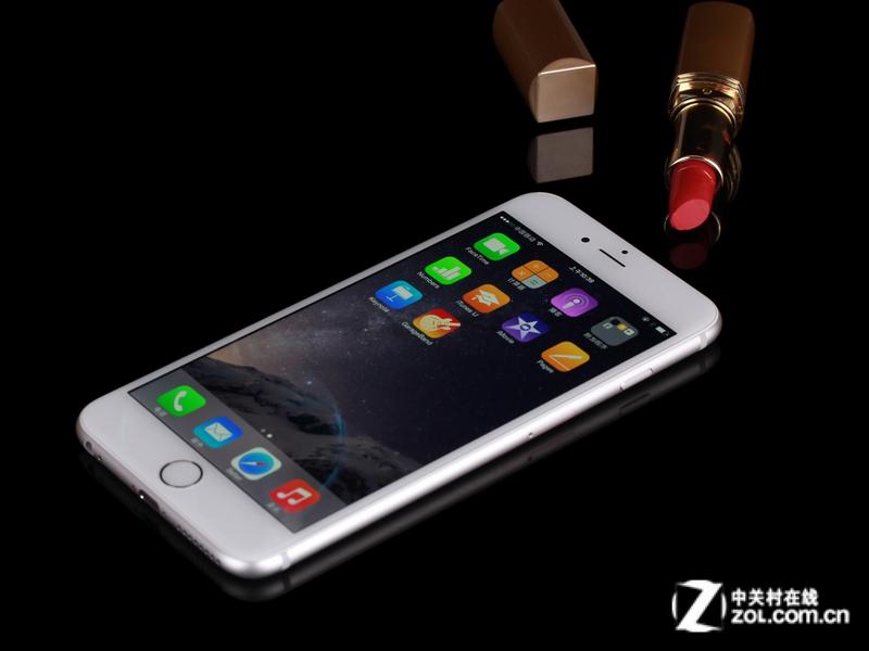 蘋果iphone 6 plus內部搭載一顆蘋果a8處理器,輔以1gb ram,
