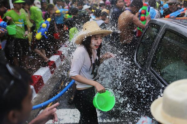 傣族泼水节作文500_泼水节的美女