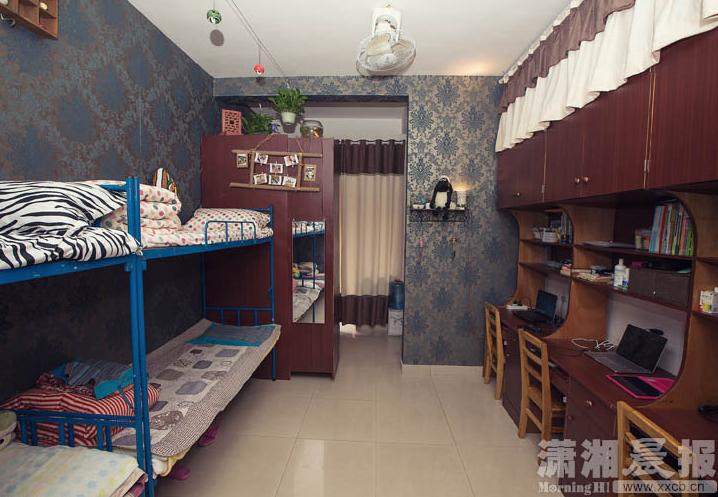 湖南高校4名大學女生將寢室裝修得酷似咖啡廳