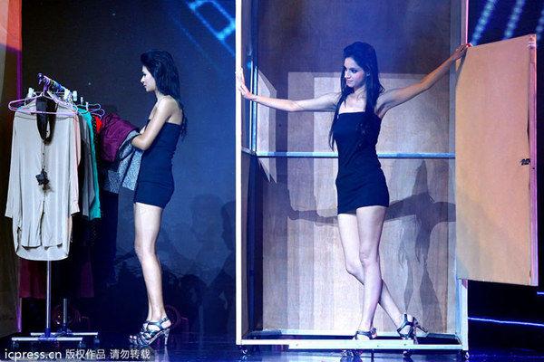 """2013亚洲超级模特_模特台上""""沐浴更衣"""" 模特_凤凰时尚"""
