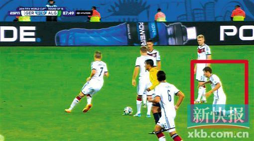 德国穆勒摔倒_男主角德国帅哥,女主角是穆勒|德国队|世界杯-青苹果