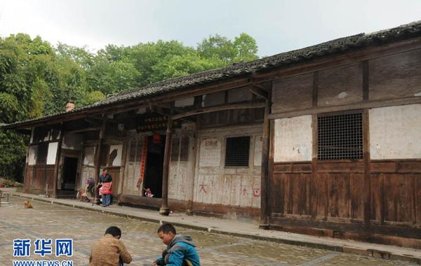 图为百年老宅外观。王玉山 摄