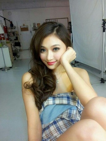 赖滢羽457全套照片_台湾女星赖滢羽457张裸照疯传 超大尺度三点全露